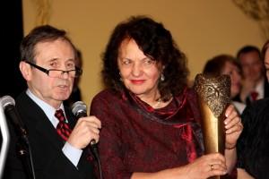 Grzegorz Heromiński i laureatka Złotej Sowy Barbara Kukulska