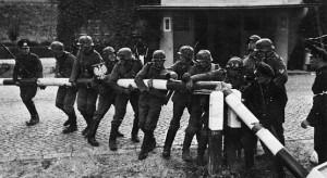 Propagandafoto: Deutsche Soldaten an der polnischen Grenze, Foto: Bundesarchiv, / Hans Sönnke