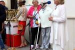 Po mszy św. na placu przykościelnym odbyły się uroczystości dożynkowe, które dla zebranych znakomicie  poprowadziła Liliana Niesielska.