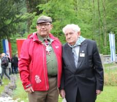 Pan Dyonizy Lechowicz (po prawej) w uroczystościach 70-lecia wyzwolenia obozów Mauthausen - Gusen