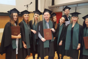 Uroczystość wręczenia dyplomów oraz zaświadczeń.