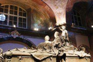 Krypty Cesarskie – ostatnie w tym roku zwiedzanie z polską przewodniczką.