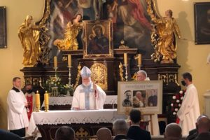 Msza św. z okazji 337. rocznicy Odsieczy Wiedeńskiej i 37 rocznicy obecności na Kahlenbergu Świętego Papieża Jana Pawła II w roku 100 rocznicy Jego urodzin.